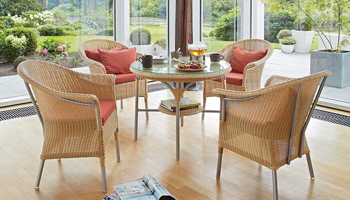 tables garpa. Black Bedroom Furniture Sets. Home Design Ideas